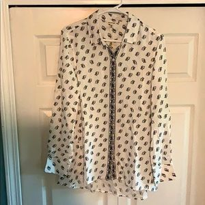 Max Studio black and white boyfriend blouse
